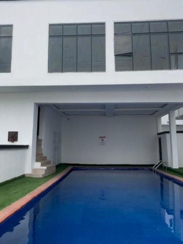 Blue Dutch Fount - swimming pool2